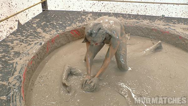 kym dunks shauna while mud wrestling