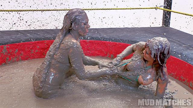 Samantha Grace Sarah Brooke bikini tits mud wrestling