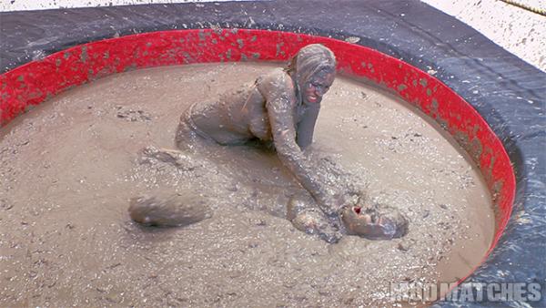 Samantha Grace Sarah Brooke deep mud wrestling